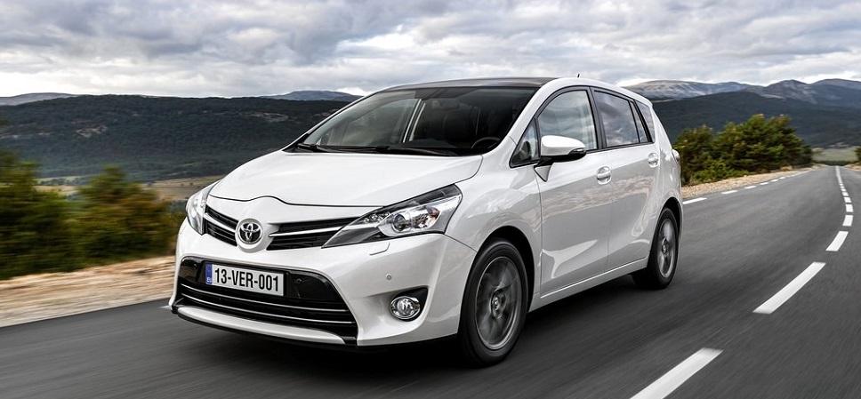 Проба руля: Toyota Verso