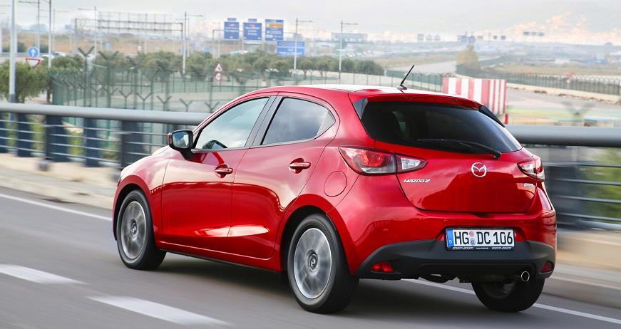 Mazda 2 2016 motion