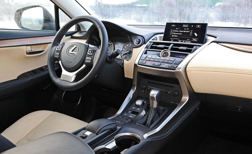 Lexus nx 300h салон