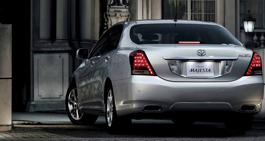 Toyota Crown: первый и самый роскошный седан от компании Toyota