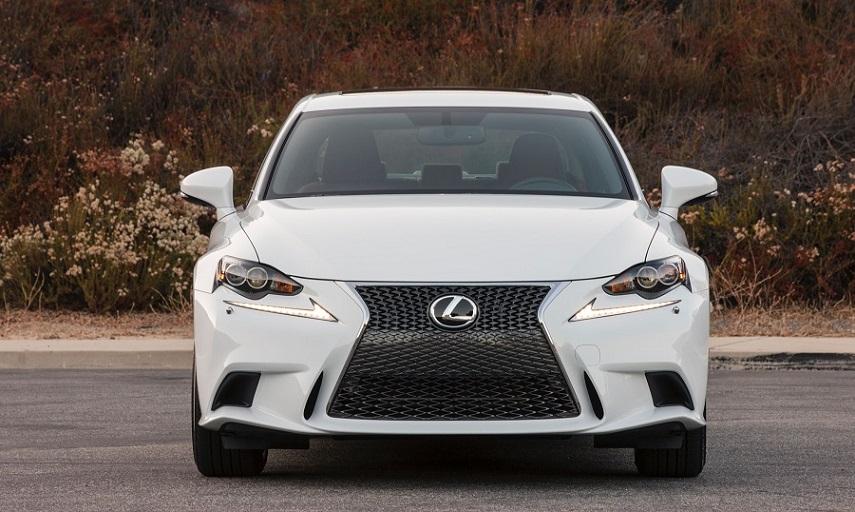 Lexus IS покидает рынок РФ