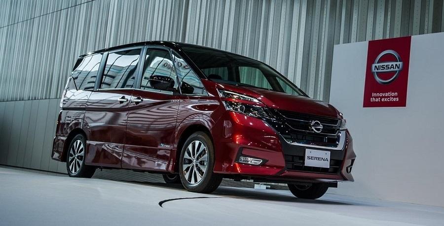 Новая модель Nissan Serena получила функцию полуавтономного движения