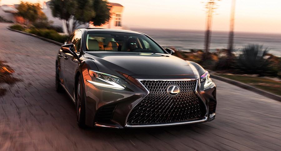 Lexus уже принимает заявки на новенький LS! Стоимость – 5,5 – 9,2 миллиона рублей!