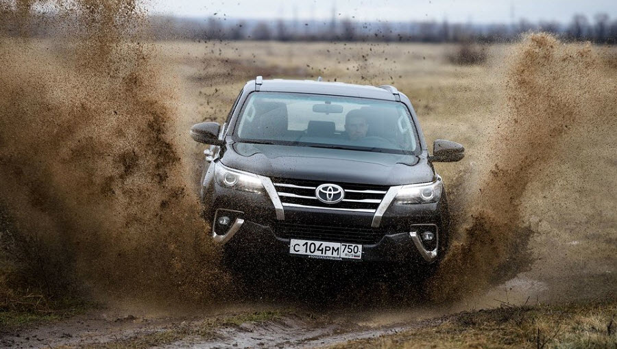 Тест-драйв Toyota Fotruner